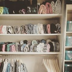 her housekeeping manual, The Life-Changing Magic of Tidying Up. KonMari method:The vertical stacking method should also be used in closets. Home Organisation, Closet Organization, Kitchen Organization, Casa Clean, Clean House, Organiser Son Dressing, Aide Ménagère, Organizar Closet, Tidy Up