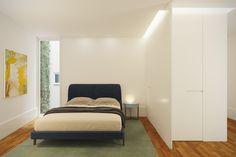 PORTAS SÃO JOÃO // Bedroom. #BeOporto #portugal #realestate #reabilitacaourbana #arquitectura #livingcity #urbanrestoration #tourism #architecture #oporto #3d #3drendering #interior #interiordesign