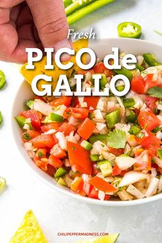 Pico de Gallo ingredients, mixing with a spoon Spicy Chicken Recipes, Raw Food Recipes, New Recipes, Salad Recipes, Cooking Recipes, Healthy Recipes, Relish Recipes, Amazing Recipes, Favorite Recipes