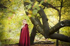 """Bringer of Autumn""  www.miriampeuserpotography.de"