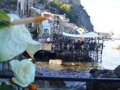 Pedana sul mare di Chianaela di Scilla. Ristorante Il Pirata UBAIS Chianalea di Scilla, (RC) ITALY www.ubais.it
