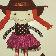 Sneak peak: this little witch keeps me busy. Work in progress. #lalobastudio #witch #halloween #goodwitch #spooky #workinprogress #dollsanddaydreams #ilovesewing #fabricdoll #witchcraft #imaginaryplay #playideas #playmatters #childhoodunplugged #boo #etsy #kids