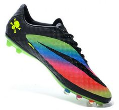 nike hypervenom I usually don't like these cleats but I love the colors Latest Football Boots, Nike Football Boots, Soccer Boots, Nike Heels, Nike Boots, New Nike Shoes, Play Soccer, Nike Soccer, Soccer Stuff