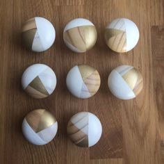 Hand painted white and gold door knobs handles (price per single knob) Paint Door Knobs, Old Door Knobs, Cupboard Knobs, Knobs And Handles, Door Handles, Porte Diy, Gold Door, Deco Nature, Kitchen Doors