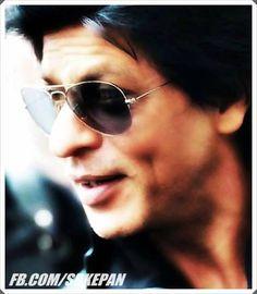 Shahrukh Khan.. loooooove his dimples<3