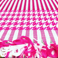 Squeezing a VERY PINK commission in before the weekend  #organic #organiccotton #sustainablefashion #sustainable #sustainableliving #sustainabletextiles #sustainabledesign #eco #ecofriendly #ecotextiles #plantbased #vegan #crueltyfree #organic #weaver #woven #woventextiles #textile #textiledesign #textiledesigner #madeinhampshire #madewithlove