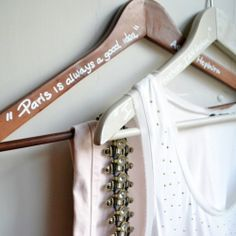DIY – Start Your Day With a Smile (quotes on your clothes hangers)