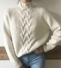 Свитер Шерсть/Альпака 🐑 13 000 ₽ в наличии #вяжутнетолькобабушки #knitlovelove #knitting_inspiration #knitted_dreams_magazine #bestknitters #вязанныесвитера #вязанныекардиганы #handmade #вязаниеспицами