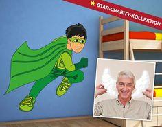 """Christoph M. Orths Motiv für die Star-Charity-Kollektion ist ein """"Superheld""""."""