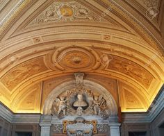 http://www.123rf.com/photo_37080012_ceiling-in-a-corridor-of-the-vatican-museums-rome-italy.html
