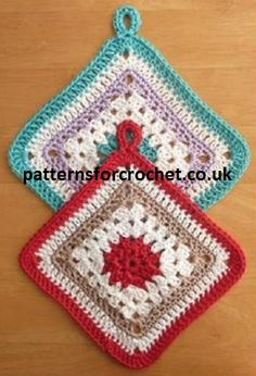 Granny square potholder pattern, made in soft cotton, can be crocheted up within the hour,  fun and useful to make.                       Yarn weight is 100% DK/Worsted cotton Hook sizes 4.0mm and 4.50mm Click here to get the crochet pattern Save Related Posts:Dahlia Mandala Square Crochet …