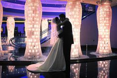 Photo Ideas Around Vegas Las Wedding Directory Planet Hollywood Lobby