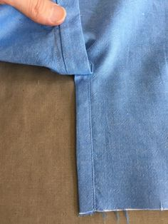 Sewing Techniques Couture How to Sew Professional Sleeve Plackets - Threads Digital Ambassador Peter Lappin writes about how to create a professional sleeve placket. Sewing Projects For Beginners, Sewing Tutorials, Sewing Hacks, Sewing Tips, Techniques Couture, Sewing Techniques, Leftover Fabric, Love Sewing, Learn To Sew