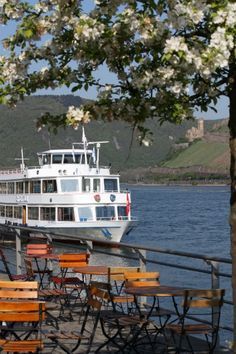 Spectacular An absolute highlight in the Frankfurt Rhine Main Region is a cruise on the Rhine