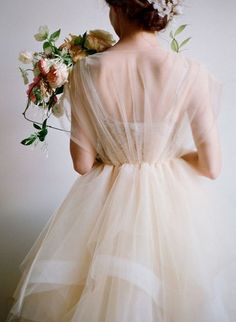 25 Best Wedding Dresses for a Fine Art Bride - Wedding Sparrow | Best Wedding Blog | Wedding Ideas