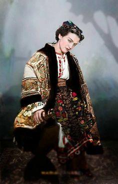 Maria Tanase, Romanian folk singer by klimbims on DeviantArt Romanian Gypsy, Romanian Girls, Romania People, Visit Romania, Bucharest Romania, The Beautiful Country, Folk Costume, Historical Photos, Traditional Outfits