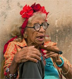 Cuban elderly, darn good reason not to smoke cigars.