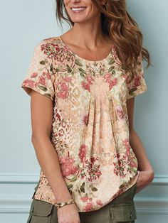 Trendy Summer Outfits, Classy Outfits, Cool Outfits, Fashion Outfits, Couture, Mothers Day T Shirts, Ethnic Print, Holiday Fashion, Holiday Style