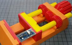 3D-Printed Vise Is a Mechanical Marvel [VIDEO] — #3DPrinting