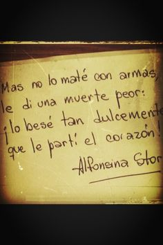 Lo besé tan dulcemente que le parti el corazon Daily Quotes, Love Quotes, Geek Quotes, Awesome Quotes, Kill With Kindness, Spanish Quotes, Spanish Posters, Spanish Memes, More Than Words