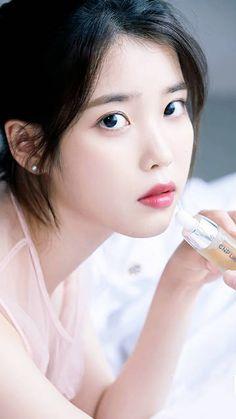 微博正文 - 微博HTML5版 Korean Beauty, Asian Beauty, Beautiful Asian Girls, Beautiful People, Iu Hair, Lee Hyun Woo, Cute Korean Girl, Iu Fashion, Korean Actresses