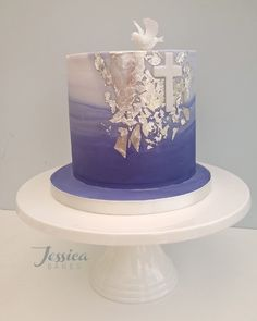 First Communion Cake Decorations Uk. Baking cakes is one particular of the best hobbies to accomplish but it is actually. First Holy Communion Cake, First Communion Cakes, Communion Cake For Boys, Cake Decorating For Kids, Cake Decorating Classes, Confirmation Cakes, Girl Cakes, Cake Creations, Party Cakes