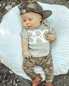 Camo baby trucker hat Baby Club - online baby clothes stores where you can find fashionable baby clothes. There is a kid and baby style here. Source by babyshopclothing boy style Baby Outfits, Outfits Niños, Newborn Outfits, Cute Baby Boy Outfits, Fall Toddler Outfits, Little Boy Outfits, Fashion Outfits, Baby Boy Fashion, Toddler Fashion