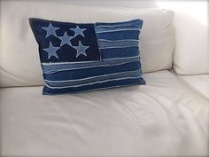 Decorative pillow - Handmade Denim Pillowcase - Throw pillow - New denim Pillow cover made from 100% new denim and decorated with an American flag motive. Each star was cut out by hand only and then stapled with the base. It has a velcro closure in back for an easy removal. Inserе