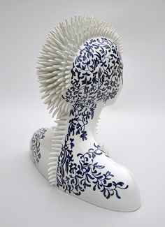 Juliette Clovis - Contemporary Porcelain - Unique contemporary ceramic sculptures, made in Limoges porcelain. Ceramic art -Porcelaine de Limoges buste - Porcelain art - Porcelain artist