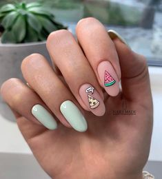 Impressive and Beautiful Nail Art for This Winter * 14 nail art designs,nail art summer,nail art diy,nail art facile,nail art winte. Toe Nail Art, Easy Nail Art, Nail Art Ideas, Love Nails, Pretty Nails, Nailart, Fall Nail Art Designs, Fruit Nail Designs, Spring Nail Art