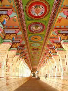 Rameshwaram Temple -The Ramanathaswamy Temple is one of the most sacred shrines of the Hindus in India. The Jyotirlingam at the Ramanathaswamy temple Ramanathaswamy Temple, Temple India, Indian Temple, Hindu Temple, Buddhist Temple, Hindu India, Temple Bali, Lotus Temple, Temple Wedding