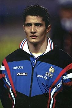 Bixente Lizarazu autograph, In-Person signed photo Case Histories, Youth Soccer, Black Felt, Fifa World Cup, Jersey Shorts, Football, Mens Tops, Bavaria, Soccer