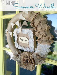 Make an Easy 15-Minute Summer Wreath | @TatertotsandJello @jenjentrixie #burlap #DIY #Tutorial