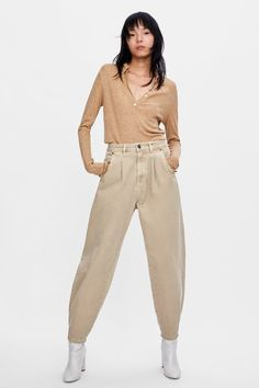 Tan Pants Outfit – Best Outfits to Wear Slouchy Outfit, Slouchy Pants, Pantalon Slouchy, Trousers Women, Pants For Women, Grey Leggings Outfit, Cool Outfits, Fashion Outfits, Jeans Fashion