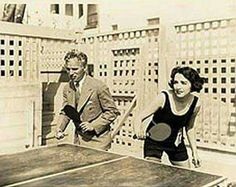 Charlie Chaplin playing Pong