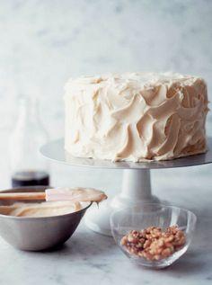 Cake frosting design