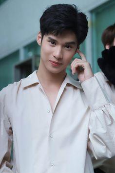 E Frame, Actors, Thailand, Guys, Celebrities, Book, Couple, Celebs, Sons