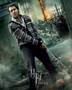 Harry Potter and the Deathly Hallows Part 2 poster of Neville Longbottom played by Matthew Lewis. Harry Potter World, Harry Potter Poster, Magia Harry Potter, Mundo Harry Potter, Harry Potter Love, Neville Longbottom, Deathly Hallows Part 2, Harry Potter Deathly Hallows, Daniel Radcliffe