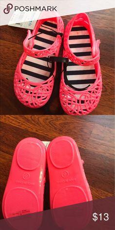 Selling this NWT Toddler & Girls zigzag jellys! on Poshmark! My username is: tabamo99. #shopmycloset #poshmark #fashion #shopping #style #forsale #Other