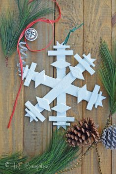 Tutorial to make a DIY wooden snowflake. Easy to make large or small wood snowflake as holiday decor or snowflake ornament. Christmas Lanterns, Christmas Diy, Christmas Decorations, Christmas Ornaments, Holiday Decor, Handmade Christmas, Scandinavian Christmas, Wood Snowflake, Snowflake Ornaments