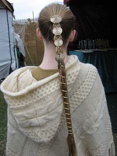 Hair Jewelry Acessories If you love the look of a long ponytail, but hate when it gets tangled throughout the day, then the Ponytail Wrap Gold 12 Inch is just what you need. The shiny gold lightweight metal accents your hair - Hair Twisters, Ponytail Wrap, French Braid Hairstyles, Hairstyles 2016, Tribal Hair, Viking Hair, Long Ponytails, Ponytail Holders, Hair Accessories For Women