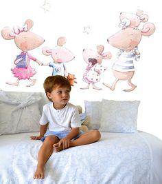 Una preciosa #familia de ratitas para la #habitación de tu #bebé y es de @suenosdeciguenavinilos . 🐁 #qnmbb #decoración #infantil #nurserydecor #dormitorio #decoracioninfantil
