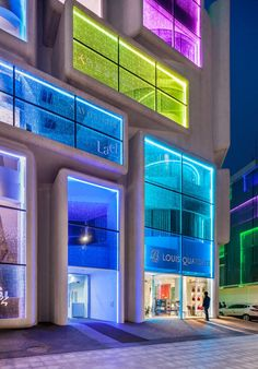 Lighting the Way: 5 Brilliant Buildings Transformed by Customized LEDs - Architizer Journal Architecture Design, Facade Design, Facade Architecture, Amazing Architecture, Contemporary Architecture, Exterior Design, Interior And Exterior, Shop Facade, Building Facade