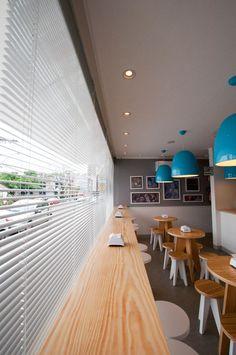 Projeto de Arquitetura Comercial da Gelateria Santino, em Santa Maria/RS, assinado por Lineastudio.