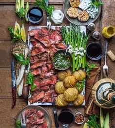 Partyfood fingerfood appetizer summer dinner menu delicious easy most you can make ahead have a dinner party enjoy your guests with my easy menu! foodanddrinkmenu food and drink menu board dekoration deen Good Food, Yummy Food, Cooking Recipes, Healthy Recipes, Easy Cooking, Beef Recipes, Food Platters, Meat Platter, New Cookbooks