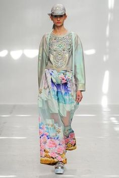 Manish Arora Spring 2015 Ready-to-Wear Fashion Show: Complete Collection - Style.com