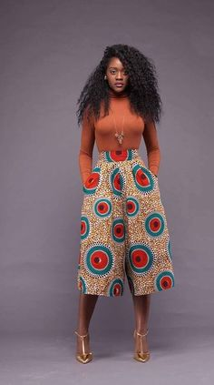 awesome Tendance – Si chic en pantacourt pagne by http://www.dezdemon-fashiontrends.xyz/african-fashion/tendance-si-chic-en-pantacourt-pagne/