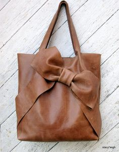 Bow Tote Bag in Distressed Honey Brown Leather
