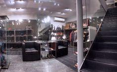 "ROBERTO BOTTICELLI: Preciosa boutique de 2 plantas realizada por De la Torre Group para la prestigiosa firma Roberto Botticelli Official ... ""RECORD TIME LUXURY WORKS""  ////  ROBERTO BOTTICELLI: Awesome 2 floors boutique made by De la Torre Group for the prestigious company Roberto Botticelli Official ... ""RECORD TIME LUXURY WORKS""  Reformas de lujo en Marbella: http://www.delatorregroup.com"
