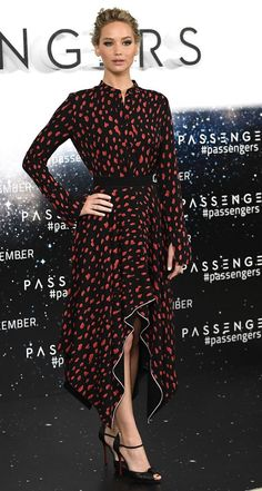 """Jennifer Lawrence in Proenza Schouler attends a photocall for """"Passengers"""" in London. #bestdressed"""